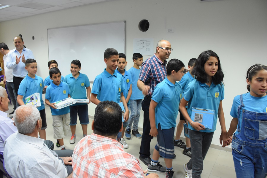 تكريم الطلاب الفائزين في مسابقة الرياضيات المنداوية الاولى