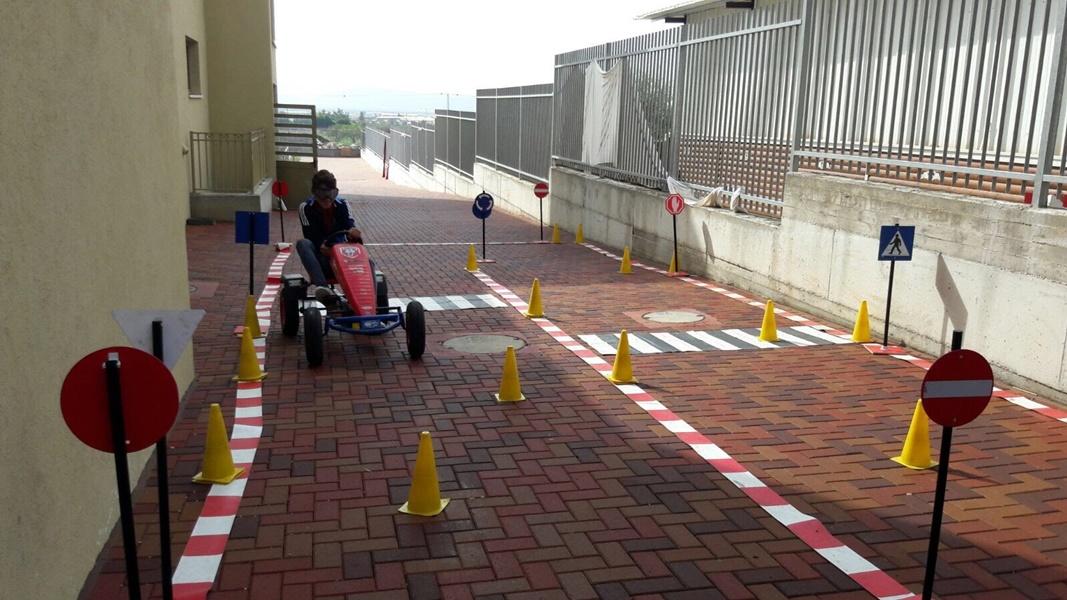 برنامج توعية حول السياقة الآمنة  في مدرسة آفاق الثانوية كفرمندا