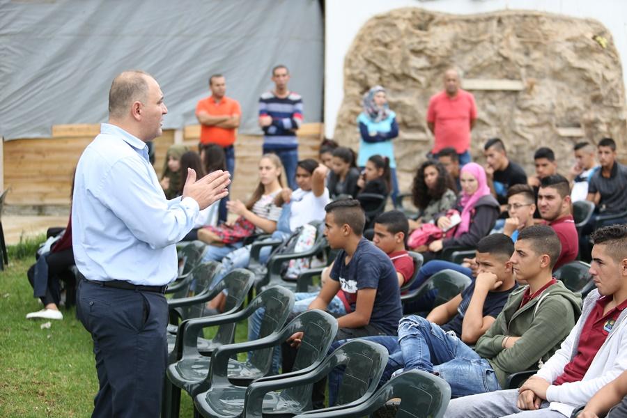 مدرسة آفاق الثانوية كفرمندا تنظم جولة في المحيط القريب