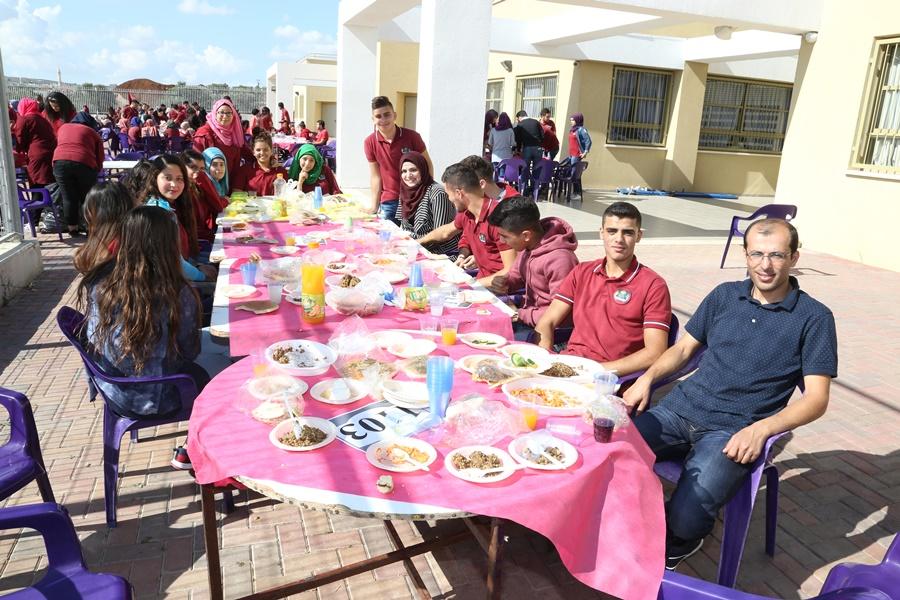 موسم الزيت والزيتون في مدرسة آفاق الثانويّة