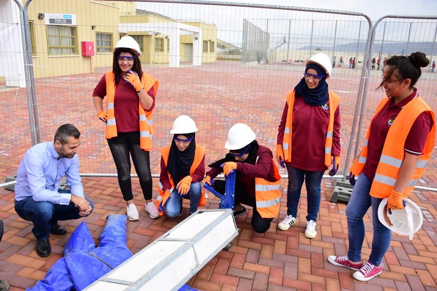 دورة انقاذ لطلاب العواشر في مدرسة افاق الثانوية كفرمندا