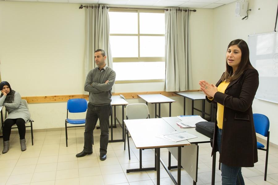 توزيع شهادات نهاية الفصل الاول في مدرسة آفاق الثانوية كفرمندا
