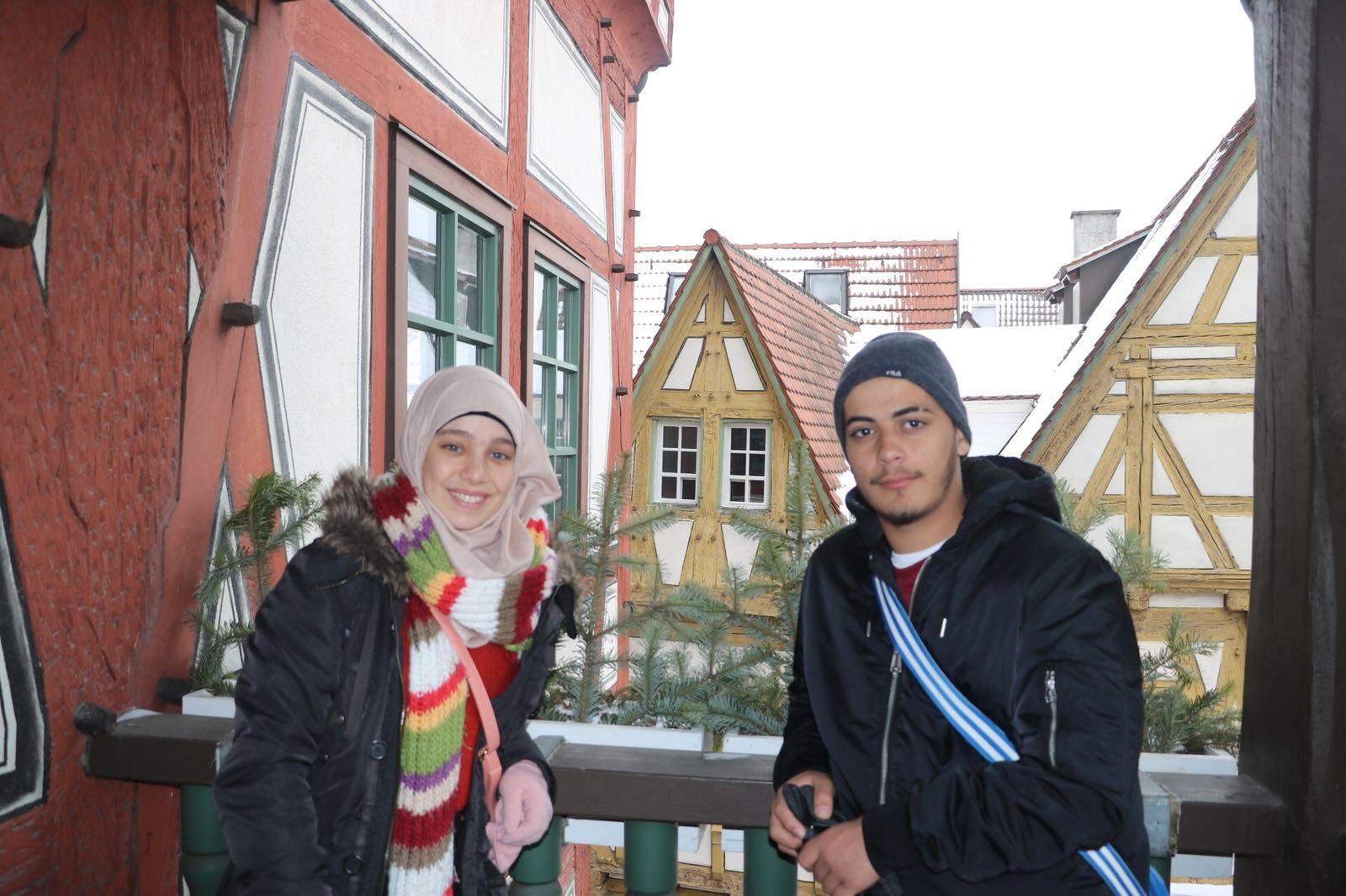 وفد مدرسة آفاق في المانيا يزور بلدية بيسيغهايم ومسجد كيرتشهايم
