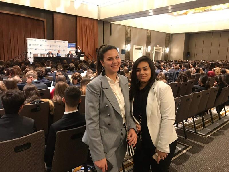 طلاب مدرسة آفاق في مبنى الامم المتحدة في نيويورك