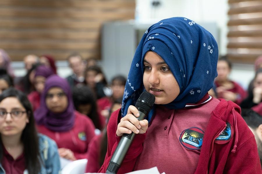 حوار سياسي في مدرسة آفاق الثانويّة تحت عنوان