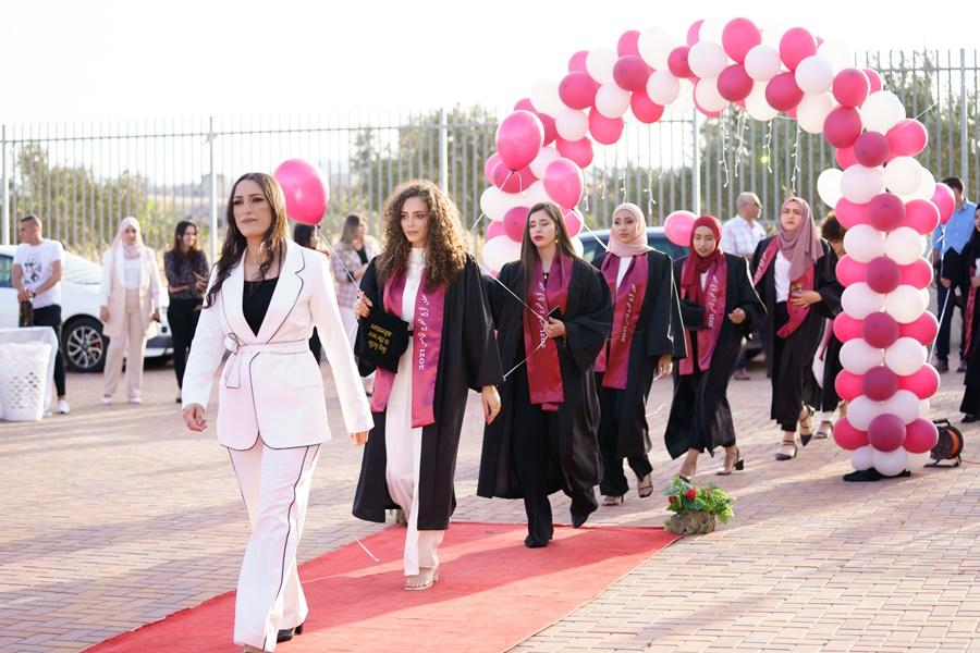 مدرسة آفاق الثانويّة في كفر مندا تخرّج فوجها الخامس
